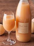 長野県信州小布施で作られた小林さんの完熟桃ジュース