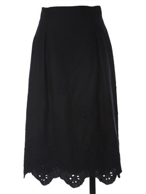 フラワー刺繍ミモレ丈スカート