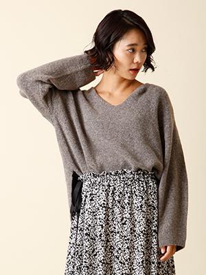 【秋の新作】Vネックオーバーセーター